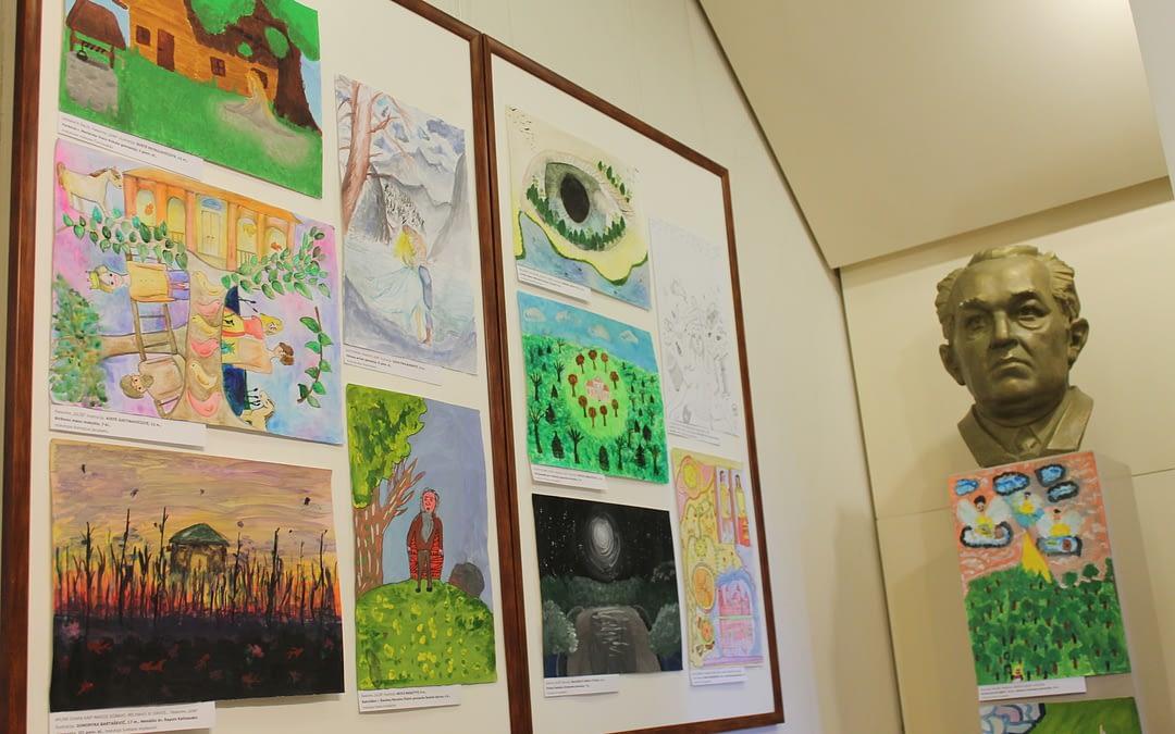 Kviečiame į moksleivių piešinių parodą!
